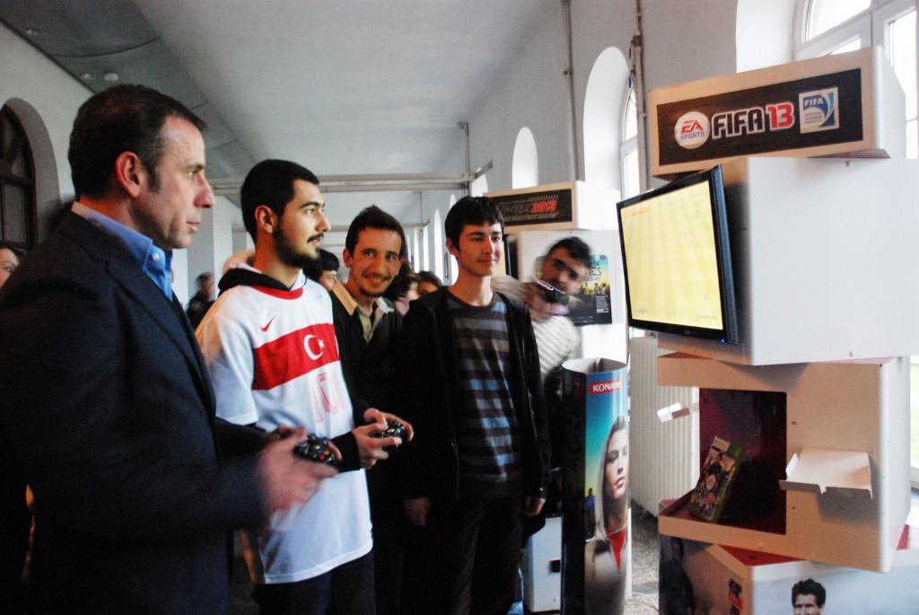 Abdullah Avcı FIFA 13 oynadı (7)